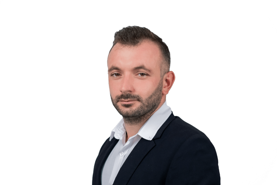 Джалил Ризаев Менеджер отдела заботы о клиентах