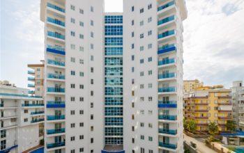 Современный комплекс в центре района Махмутлар