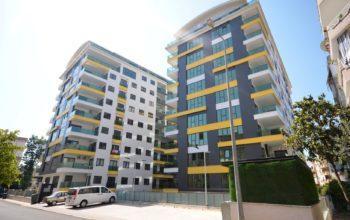 Четырехкомнатные апартаменты в центре Алании, рядом с популярными торговыми центрами