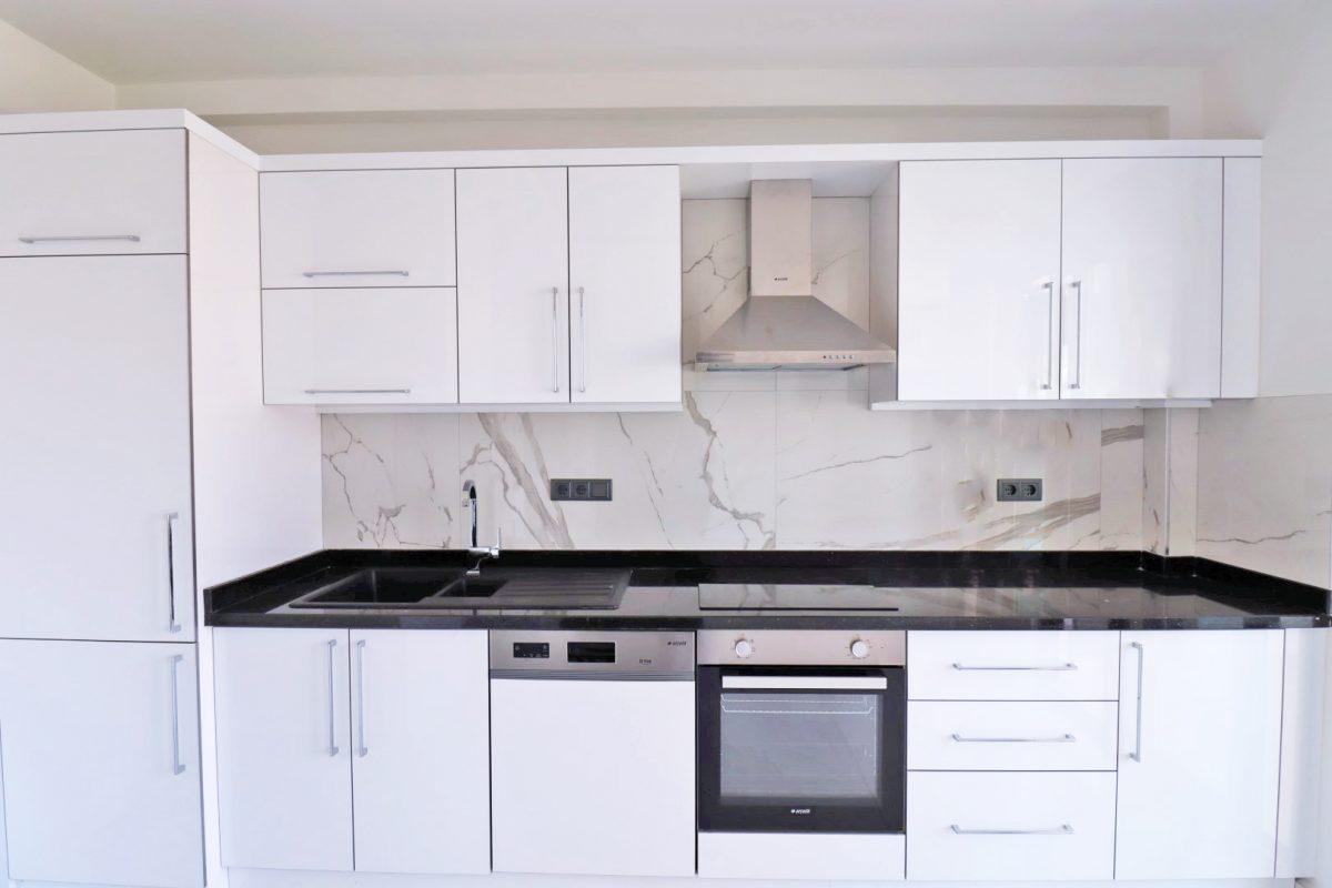 Новая двухуровневая квартира в самом центре Алании - Фото 15