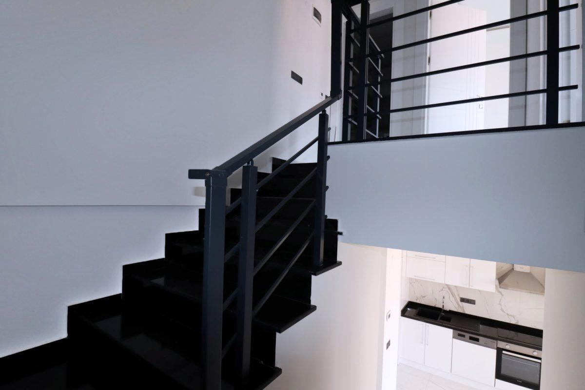 Новая двухуровневая квартира в самом центре Алании - Фото 16