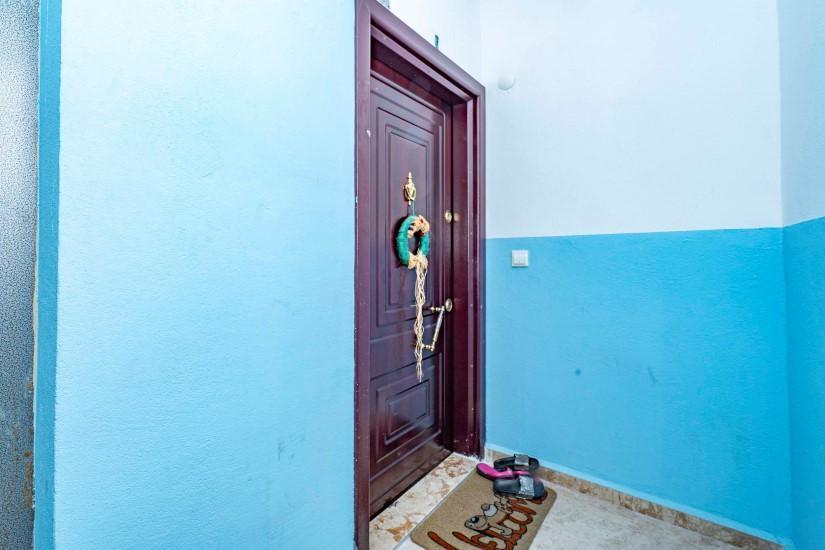 Меблированная трехкомнатная квартира в центре Алании с видом на море - Фото 9
