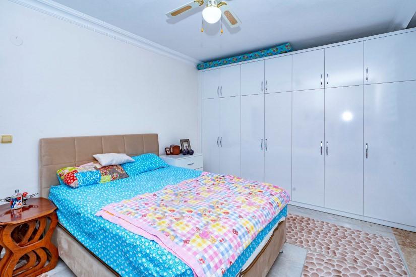 Меблированная трехкомнатная квартира в центре Алании с видом на море - Фото 15
