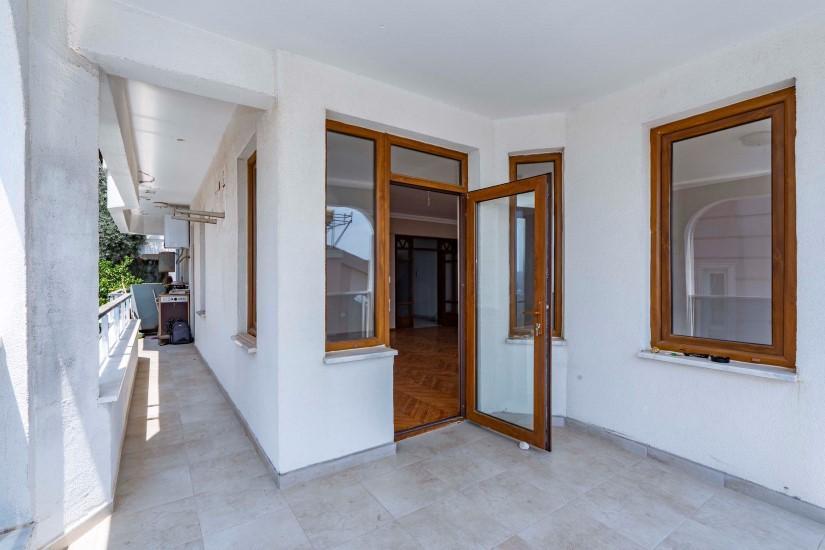 Четырехкомнатная квартира в историческом центре Алании - Фото 18