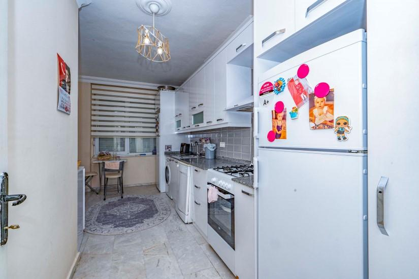 Меблированная трехкомнатная квартира в центре Алании с видом на море - Фото 17