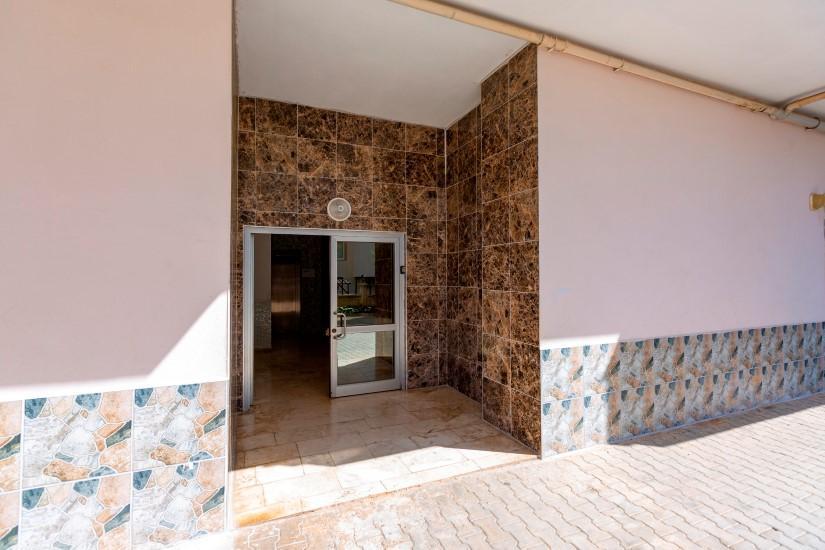 Недорогая трехкомнатная квартира в Джикджилли - Фото 9