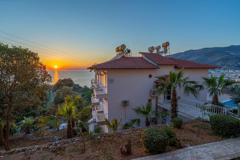 Двухкомнатная квартира с видом на пляж Клеопатра - Фото 1
