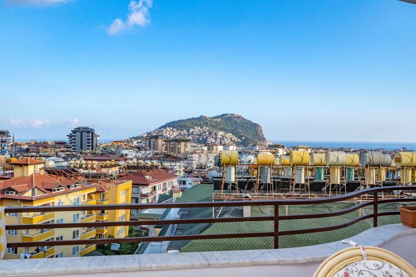 Меблированная трехкомнатная квартира в центре Алании с видом на море - Фото 22