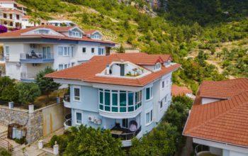 Квартира 3+1 с мансардой и видом на море