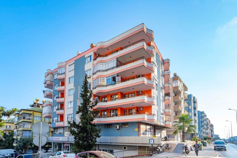 Меблированная трехкомнатная квартира в центре Алании с видом на море - Фото 4