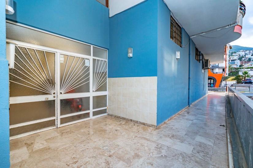 Меблированная трехкомнатная квартира в центре Алании с видом на море - Фото 5
