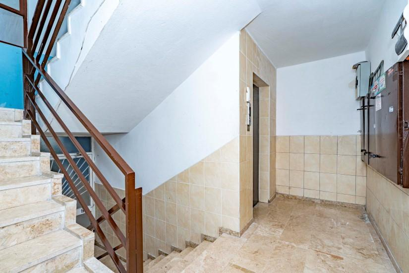 Меблированная трехкомнатная квартира в центре Алании с видом на море - Фото 7