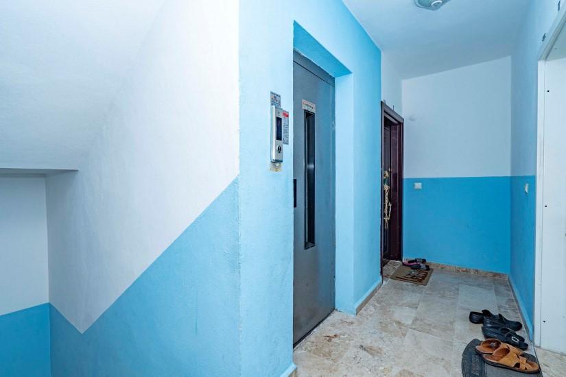 Меблированная трехкомнатная квартира в центре Алании с видом на море - Фото 8