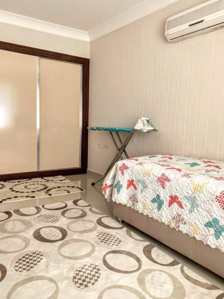 Просторная квартира 2+1 в известном комплексе в Махмутларе - Фото 24