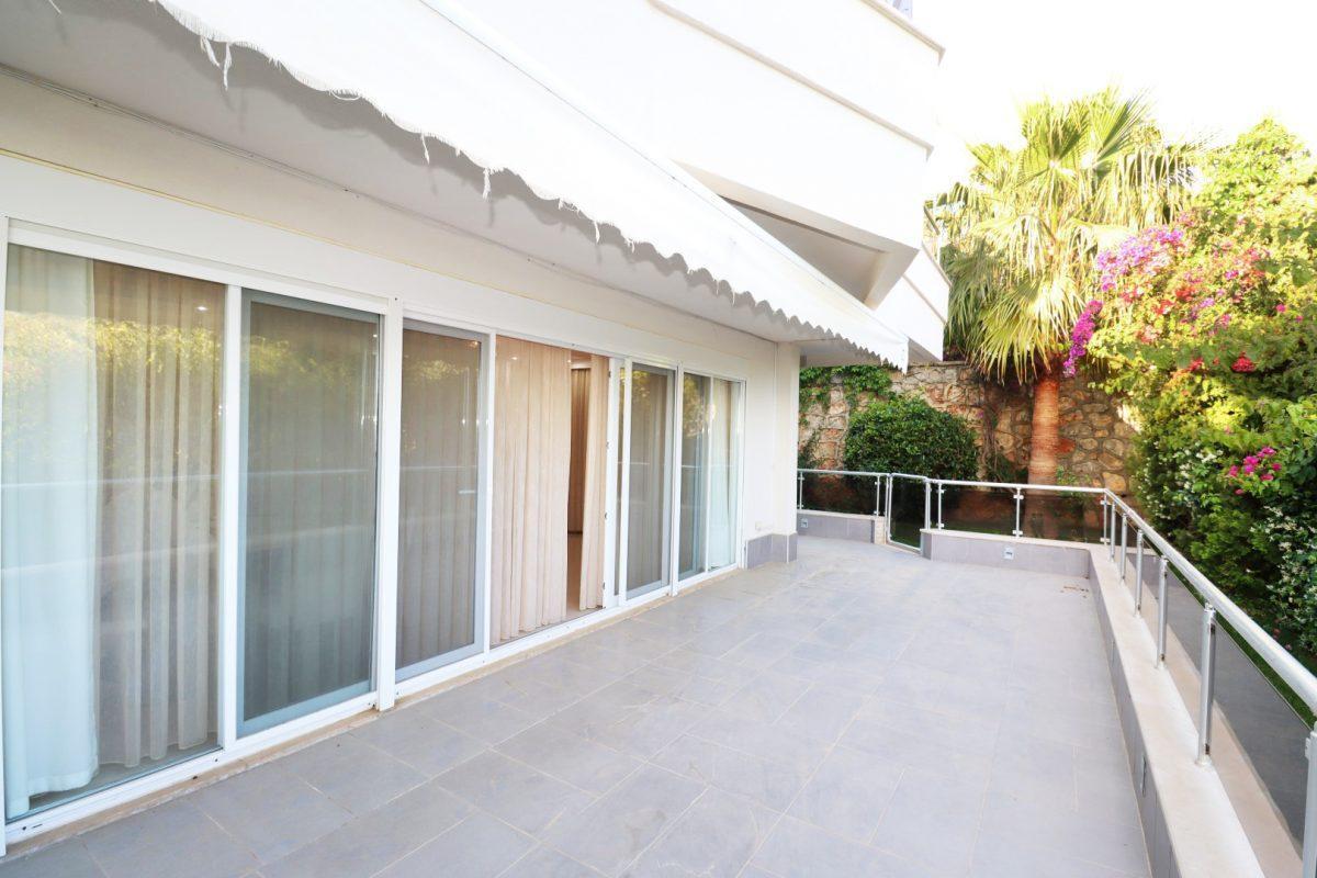 Просторная квартира с выходом в сад в районе Конаклы - Фото 7