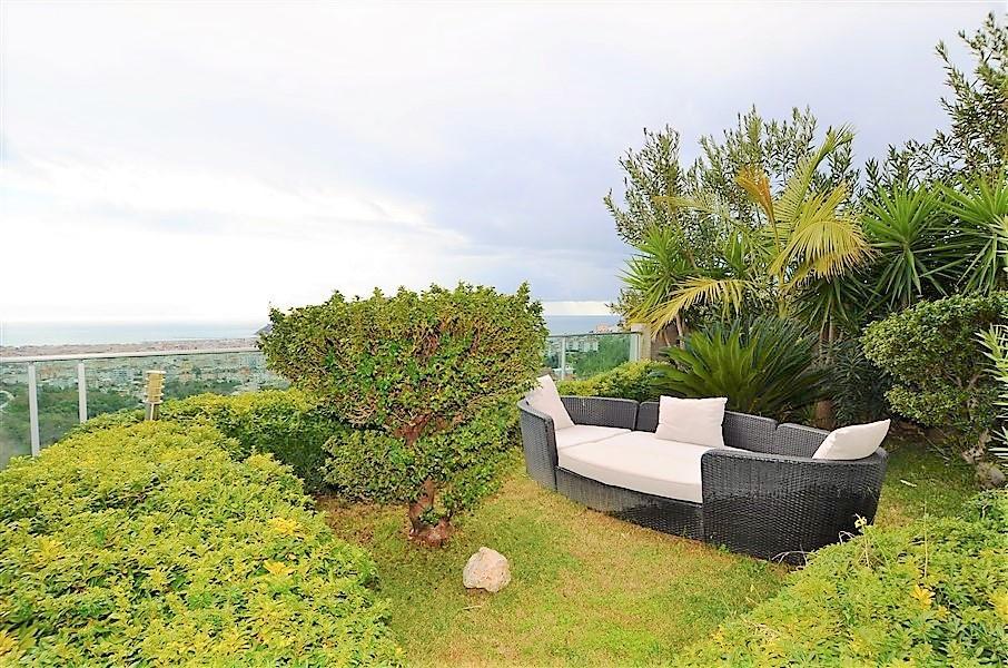 Трехэтажная вилла с панорамным видом на море и историческую крепость  - Фото 5