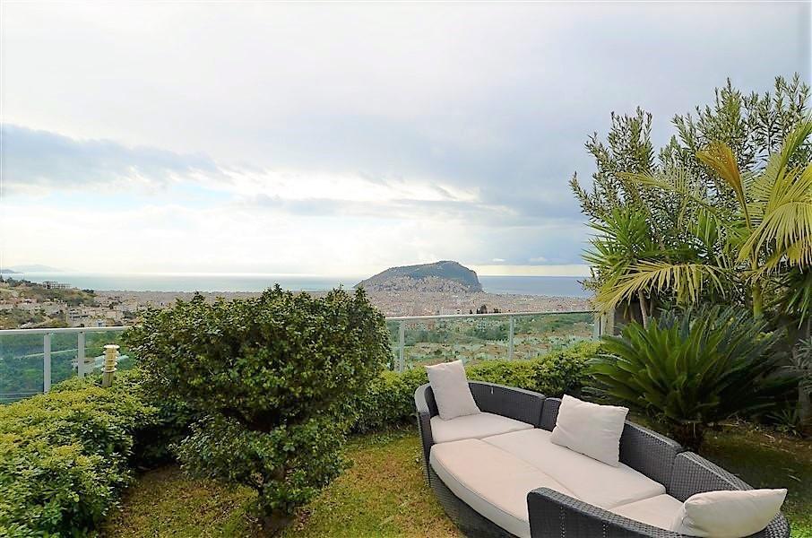 Трехэтажная вилла с панорамным видом на море и историческую крепость  - Фото 6