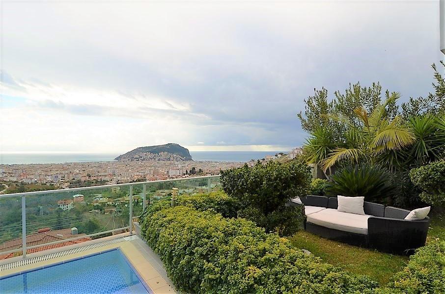 Трехэтажная вилла с панорамным видом на море и историческую крепость  - Фото 12