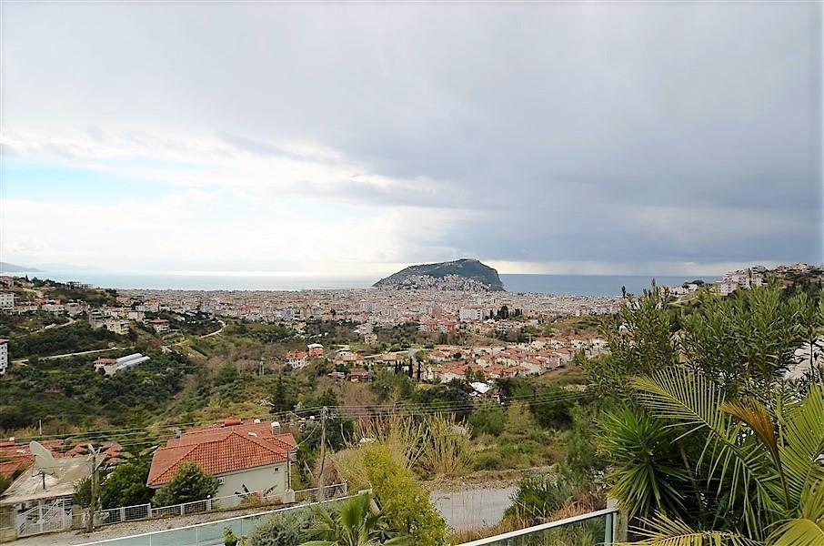Трехэтажная вилла с панорамным видом на море и историческую крепость  - Фото 13