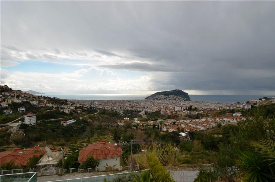 Трехэтажная вилла с панорамным видом на море и историческую крепость  - Фото 16
