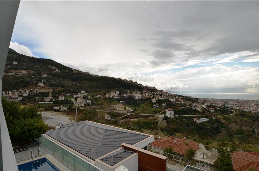 Трехэтажная вилла с панорамным видом на море и историческую крепость  - Фото 18