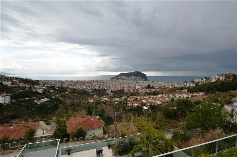 Трехэтажная вилла с панорамным видом на море и историческую крепость  - Фото 22