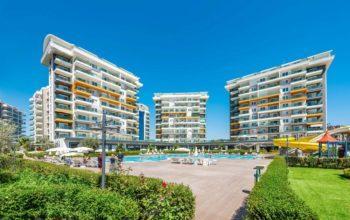 Масштабный жилой комплекс, состоящий из 10 квартирных блоков