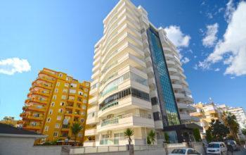 Квартира 2+1 в центре Махмутлара в комплексе с хорошей инфраструктурой