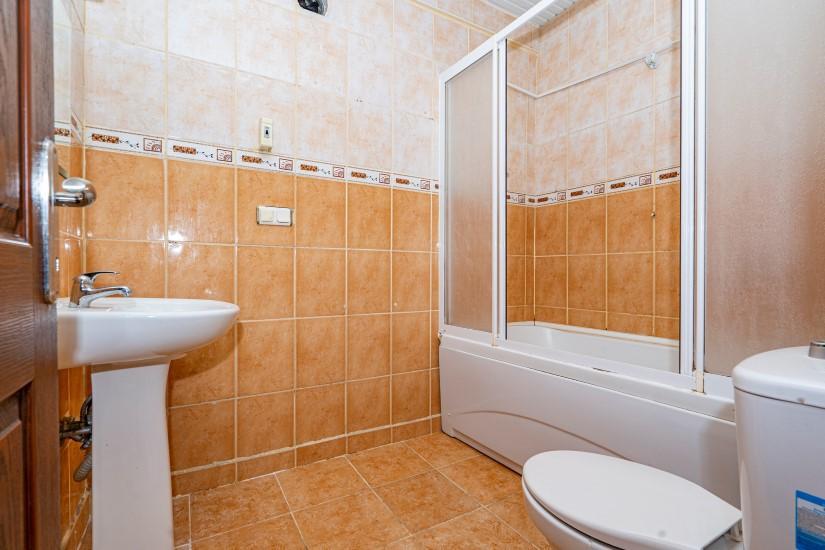 Недорогая просторная четырех комнатная квартира в самом центре Алании - Фото 11