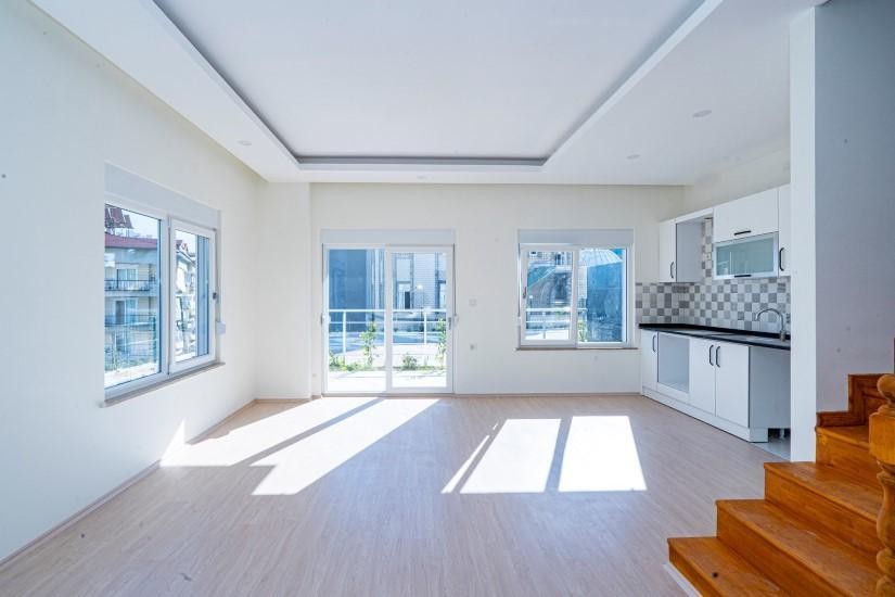 Дуплекс с 4 спальнями в новом доме в Алании - Фото 12