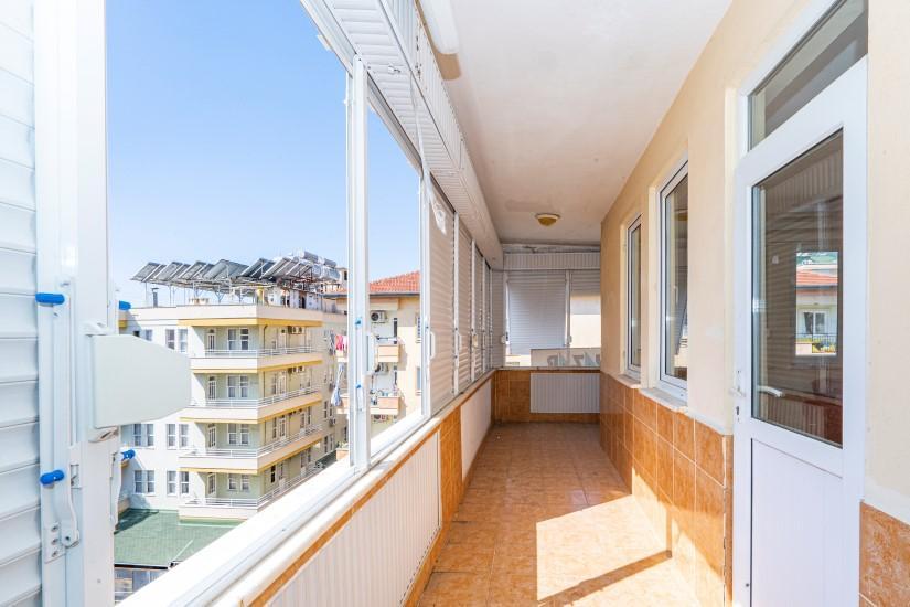 Недорогая просторная четырех комнатная квартира в самом центре Алании - Фото 16