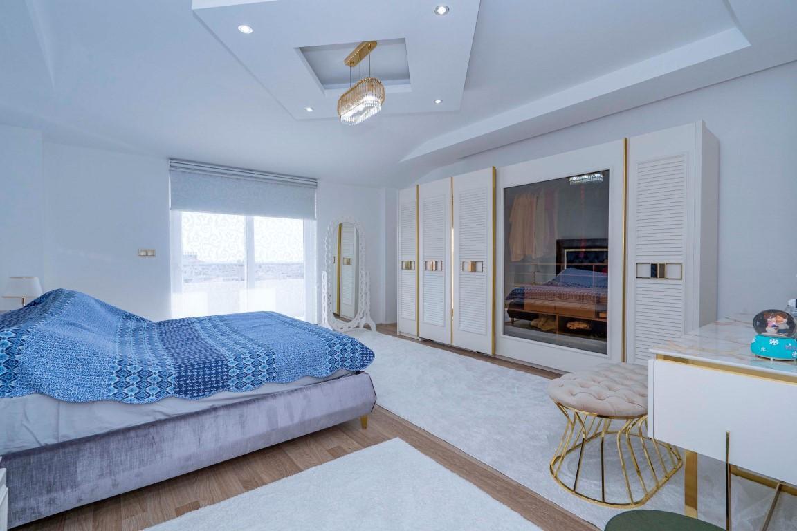 Просторный пентхаус с пятью спальнями в спокойном районе Конаклы - Фото 17