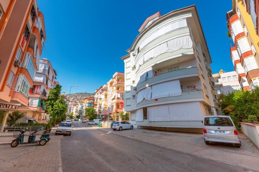 Недорогая четырехкомнатная квартира в самом центре Алании - Фото 2