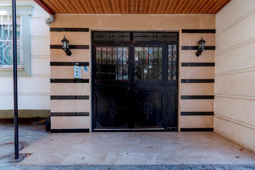 Недорогая четырехкомнатная квартира в самом центре Алании - Фото 3