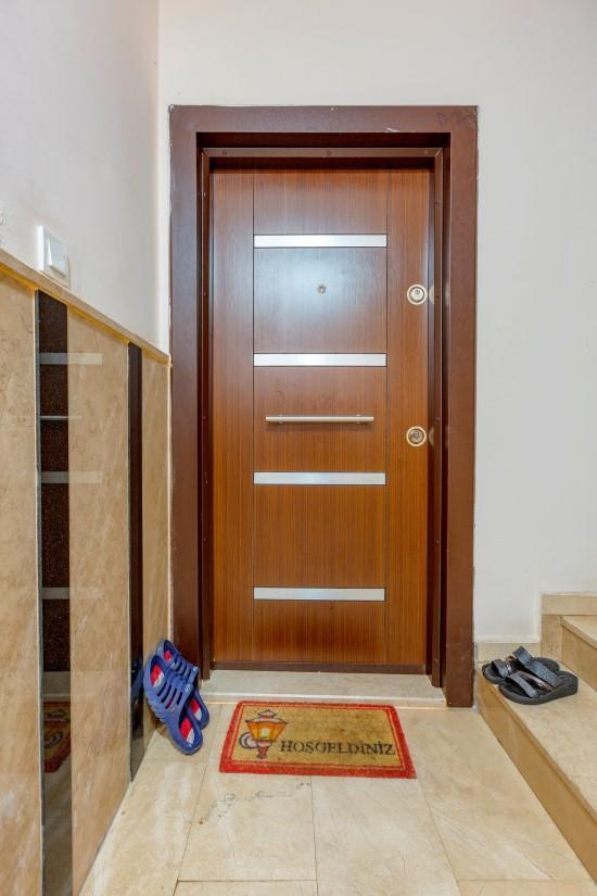 Недорогая четырехкомнатная квартира в самом центре Алании - Фото 7