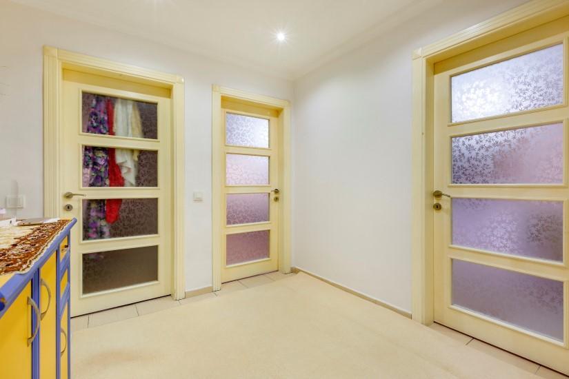 Недорогая четырехкомнатная квартира в самом центре Алании - Фото 17