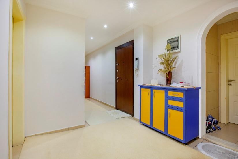 Недорогая четырехкомнатная квартира в самом центре Алании - Фото 18