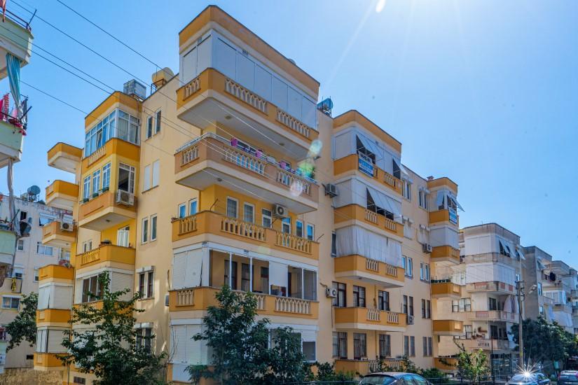 Недорогая просторная четырех комнатная квартира в самом центре Алании - Фото 1