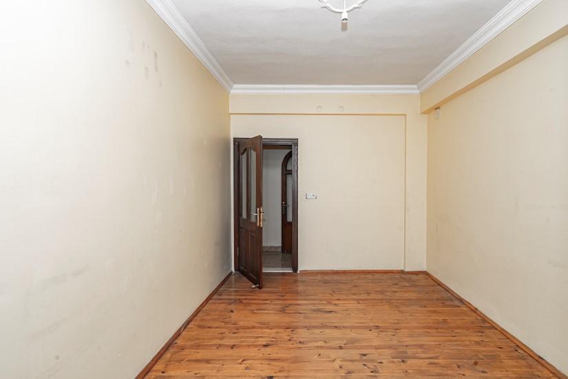 Недорогая просторная четырех комнатная квартира в самом центре Алании - Фото 20