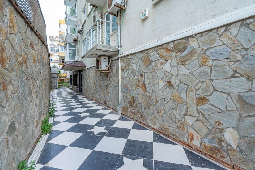 Недорогая трехкомнатная квартира в самом центре Алании - Фото 3
