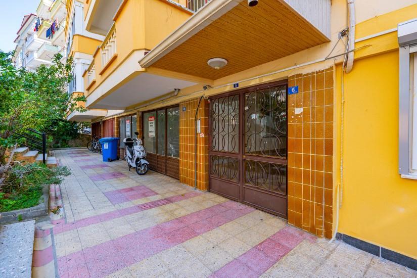 Недорогая просторная четырех комнатная квартира в самом центре Алании - Фото 2
