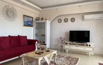Просторная квартира 1+1 с мебелью и техникой в Махмутларе