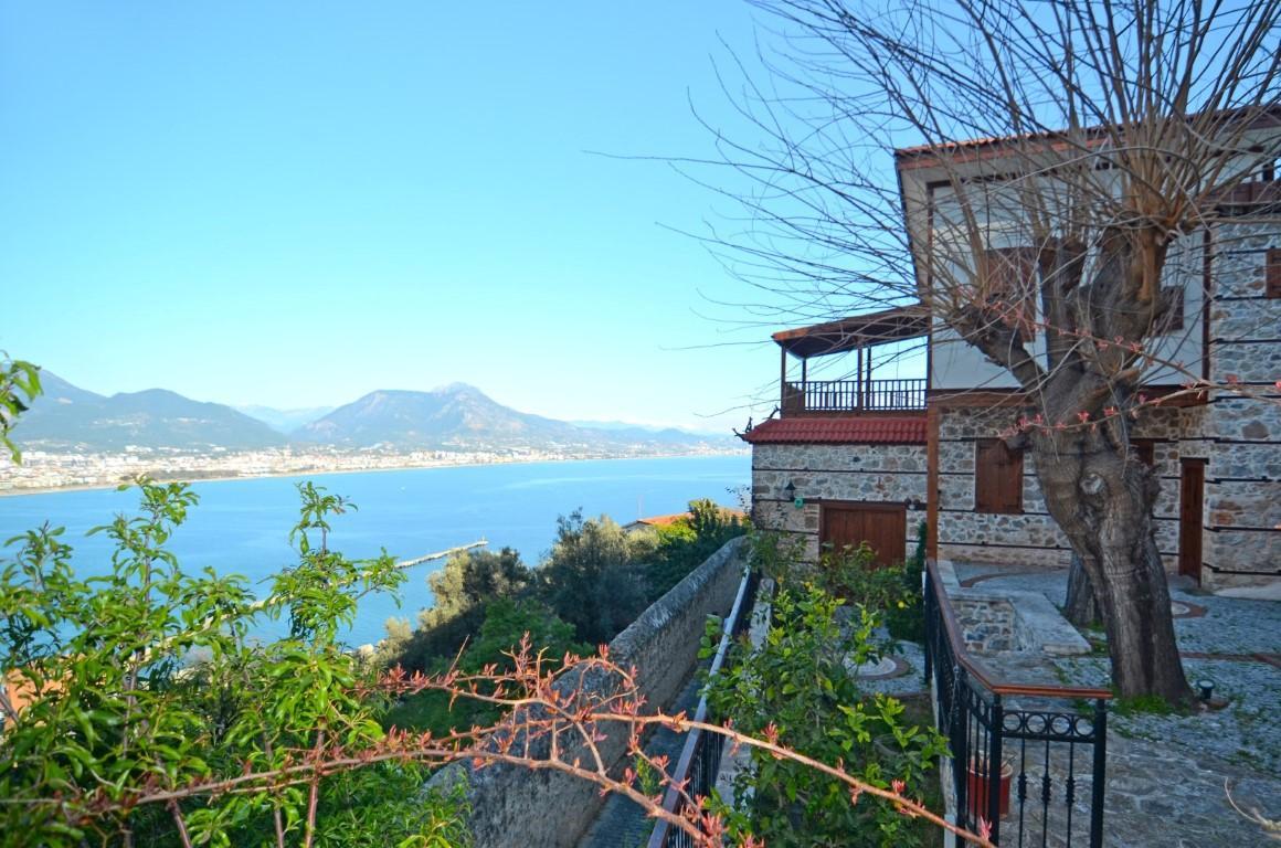Старинный двухэтажный дом рядом с крепостью Алании - Фото 4