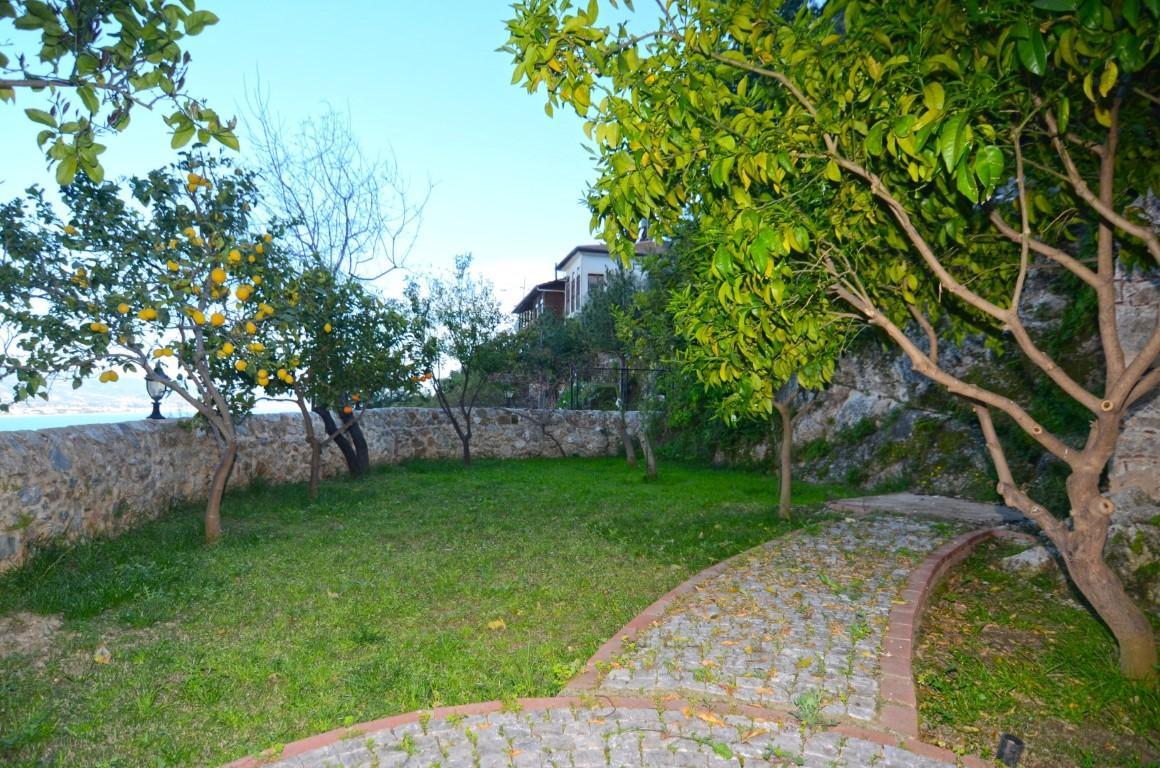 Старинный двухэтажный дом рядом с крепостью Алании - Фото 33