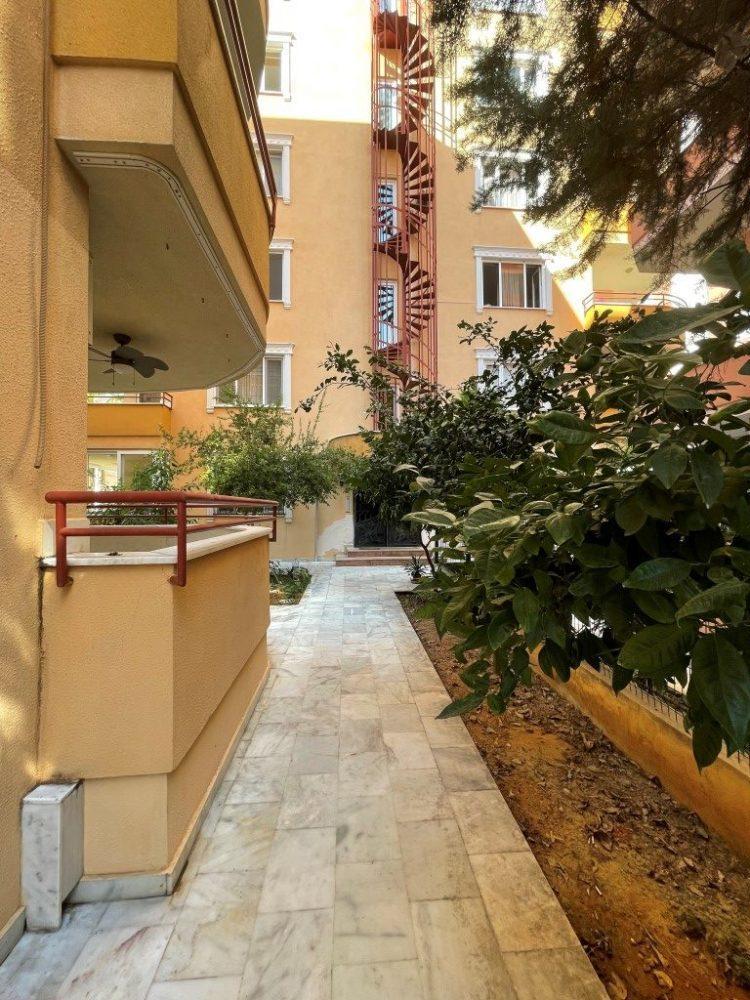 Меблированная квартира 2+1 рядом с морем в Махмутларе площадью 120 метров - Фото 17