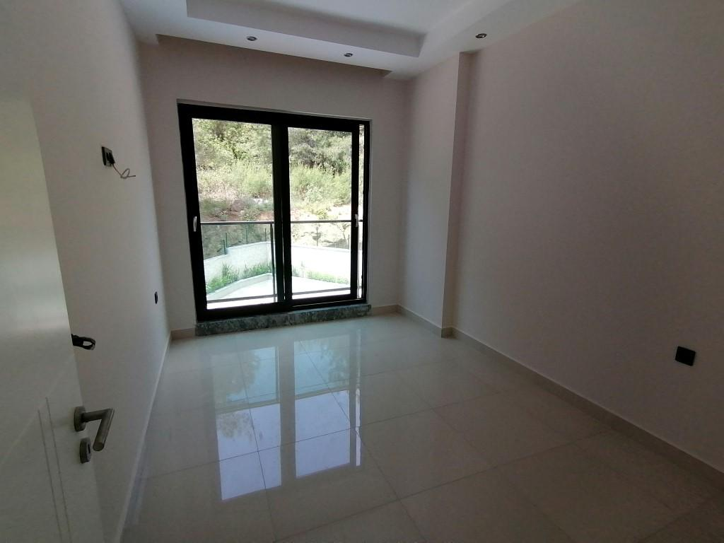 Новая квартира в готовом комплексе от известного застройщика в Авсалларе - Фото 15