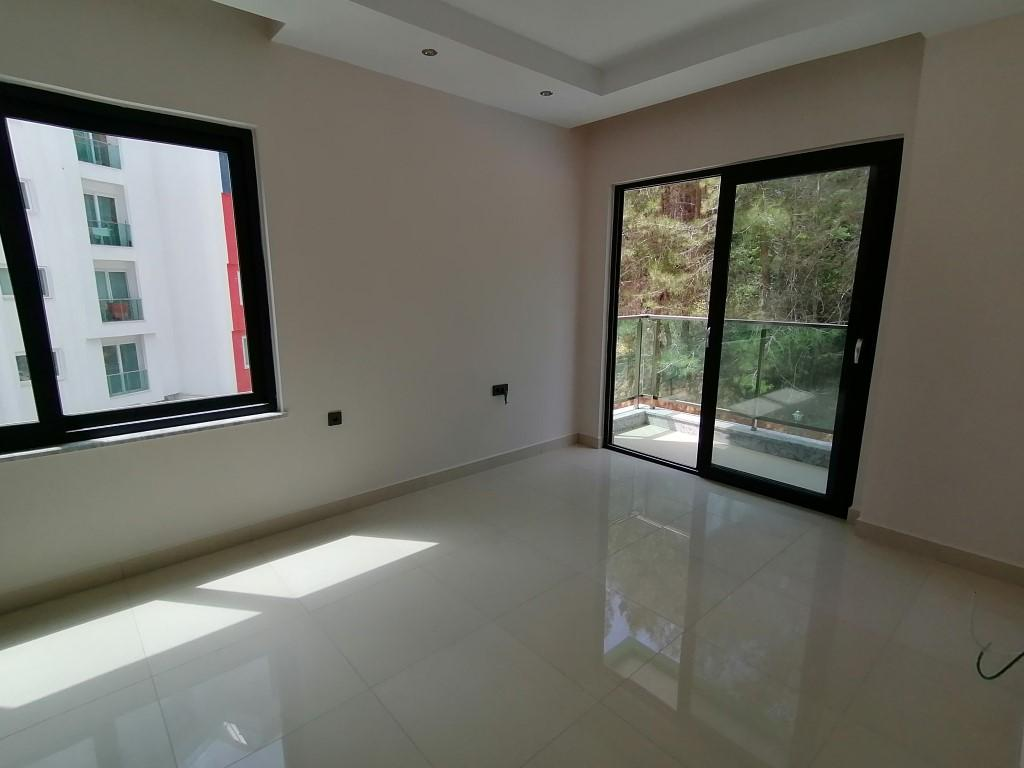 Новая квартира в готовом комплексе от известного застройщика в Авсалларе - Фото 16