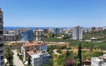 Апартаменты с большой площадью в новом комплексе в районе Махмутлар