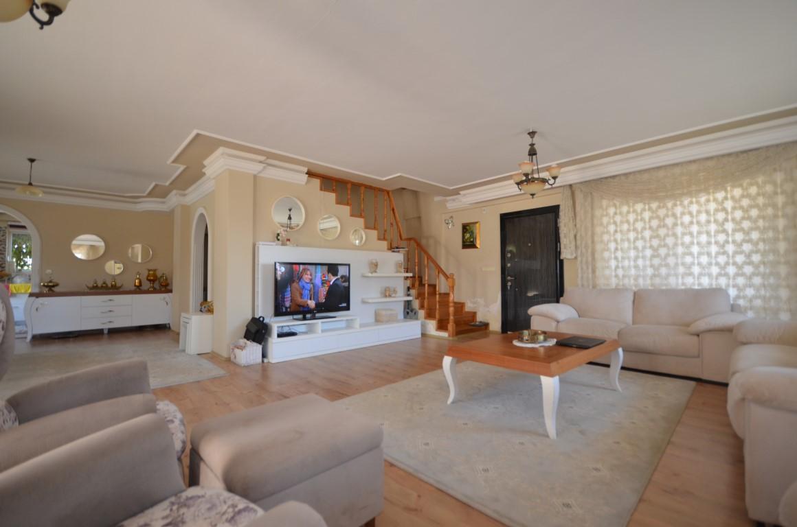 Роскошная вилла в Махмутларе с бассейном и мебелью - Фото 6