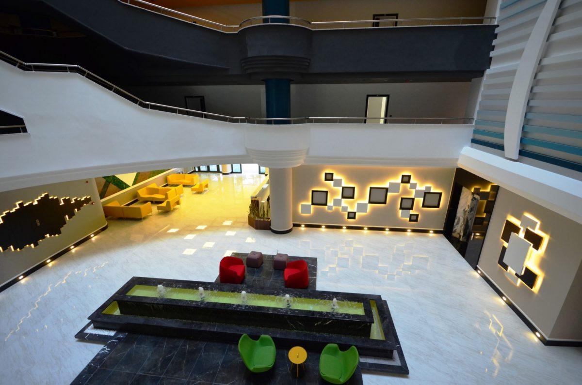 Меблированная квартира 2+1 в комплексе на первой линии с отельной инфраструктурой - Фото 43